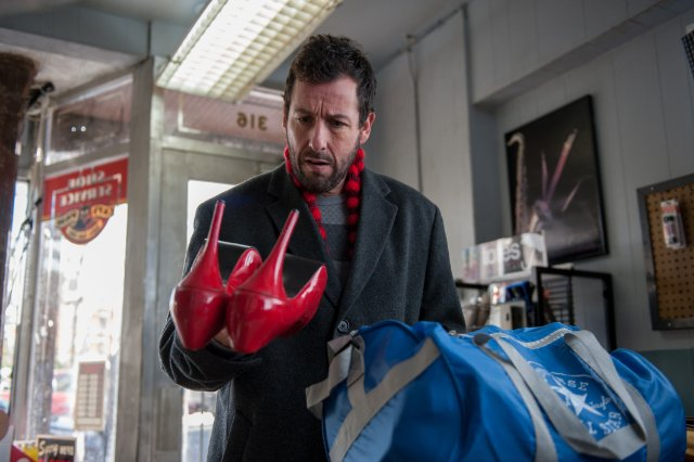 The Cobbler: Adam Sandler in una scena