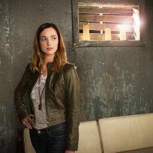 Zoo: Kristen Connolly in un'immagine promozionale della serie