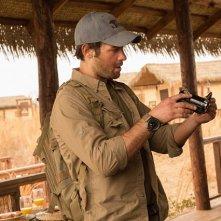 Zoo: James Wolk in un'immagine della serie