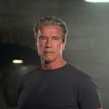 Terminator: Genisys, Arnold Schwarzenegger con il suo sguardo di ghiaccio in una scena del film