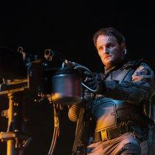 Terminator: Genisys, Jason Clarke in una scena d'azione del film