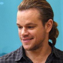 The Grea Wall: Matt Damon foggia un'inedita coda di cavallo alla presentazione del colossal a Pechino