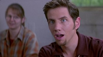 Scream 2: Jamie Kennedy in una scena del film