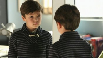 Extant: Pierce Gagnon in Change Scenario