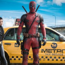 Deadpool: Brianna Hildebrand e Ryan Reynolds in una scena del film