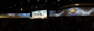 Lo schermo immenso della Hall H, al comicon 2015 per la presentazione Warner
