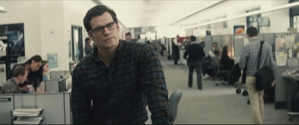 Batman v Superman: Dawn of Justice: Clark Kent al Daily Planet nel nuovo trailer del film