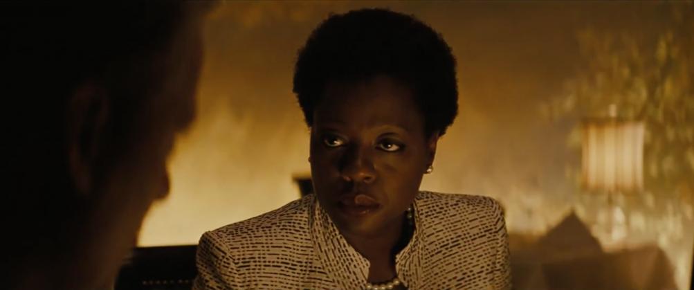 Suicide Squad: Amanda Waller nel primo trailer del film