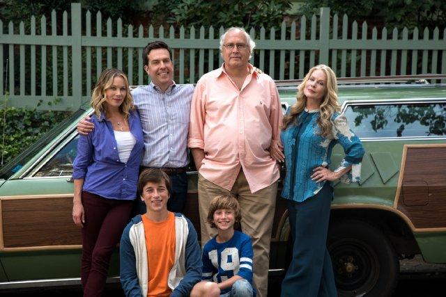 Come ti rovino le vacanze: Chevy Chase, Beverly D'Angelo, Christina Applegate, Ed Helms, Skyler Gisondo e Steele Stebbins in una foto promozionale