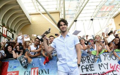 Darren Criss, da Glee al set italiano di Smitten!