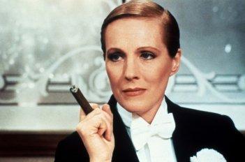 Julie Andrews in una scena del film Victor Victoria