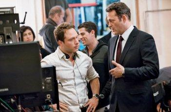 True Detective 2: Nic Pizzolatto e Vince Vaughn sul set
