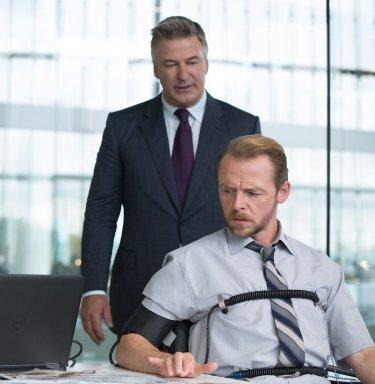 Mission: Impossible - Rogue Nation: Simon Pegg con Alec Baldwin in un momento del film