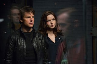 Mission: Impossible - Rogue Nation: Tom Cruise insieme a Rebecca Ferguson in una scena del film action
