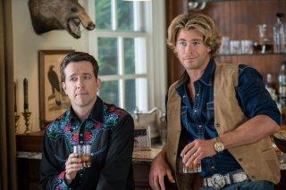 Come ti rovino le vacanze: Ed Helms in una scena della commedia insieme a Chris Hemsworth