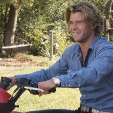 Come ti rovino le vacanze: Chris Hemsworth in una scena