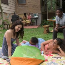 The Leftovers 2: Margaret Qualley con Jasmin Savoy Brown e Jovan Adepo
