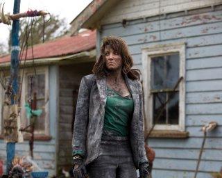 Ash vs. Evil Dead: Lucy Lawless in un'immagine della serie