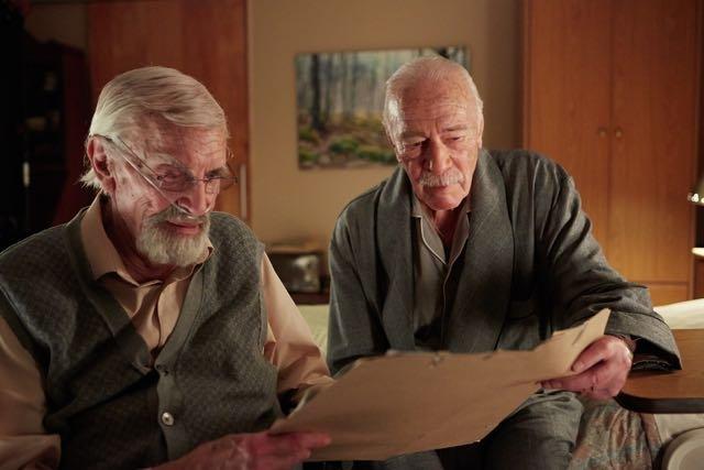 Remember: Christopher Plummer e Martin Landau in una scena