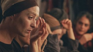 Olmo & the Seagull: Olivia Corsini si trucca prima di andare in scena