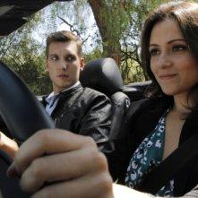 Chasing Life: Scott Michael Foster e Italia Ricci interpretano Leo e April in una scena della serie