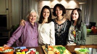 Chasing Life: Rebecca Schull, Italia Ricci, Mary Page Keller e Haley Ramm