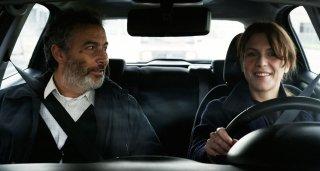 In un posto bellissimo: Isabella Ragonese e Paolo Sassanelli in macchina in un momento del film