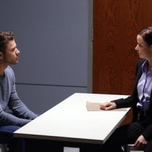 Secrets and Lies: Ben Crawford (Ryan Phillippe) interrogato dalla detective Andrea Cornell (Juliette Lewis)