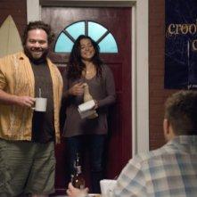 Secrets and Lies: Dan Fogler e Natalie Martinez in una scena della prima stagione