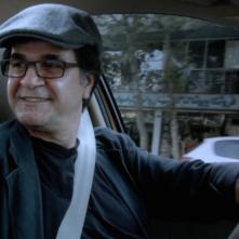 Taxi Teheran: Jafar Panahi in un momento del film