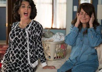 My Big Fat Greek Wedding 2: Andrea Martin e Nia Vardalos in una divertente immagine tratta dal film