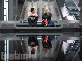 Star Wars: Episodio VII - Il Risveglio della Forza: J.J. Abrams e Lawrence Kasdan sul set