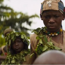 Beasts of No Nation: un momento del film diretto da Cary Fukunaga