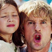 No Escape - Colpo di stato: Owen Wilson e Claire Geare in un'immagine del film