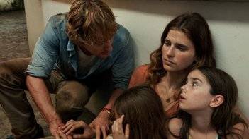 No Escape - Colpo di stato: un'immagine del film con Owen Wilson e Lake Bell