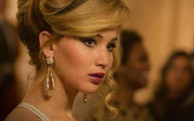 """Jennifer Lawrence: i 25 anni della star di Hunger Games fra premi, successi e """"scivoloni"""""""