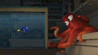 Finding Dory: la protagonista Dory insieme a Hank