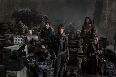 Star Wars Anthology: Rogue One - Riz Ahmed, Diego Luna, Felicity Jones, Jiang Wen e Donnie Yen nella prima foto ufficiale