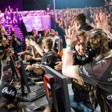 Esl Esports - Counter Strike: Global Offensive Finals Live: alcuni videogiocatori festeggiano per la vittoria di una partita