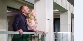 Richard Dormer e Paulina Chapko in una scena del film 11 Minutes