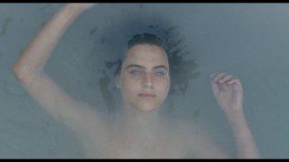 Arianna: una suggestiva immagine del film che ritrae la protagonista Ondina Quadri