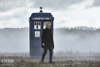 Doctor Who: Peter Capaldi in un'immagine dell'episodio The Magician's Apprentice