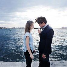 La prima luce: Riccardo Scamarcio e Daniela Ramirez in un momento del film