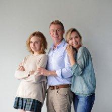 Looking for Grace: Odessa Young, Radha Mitchell e Richard Roxburgh in una foto promozionale del film