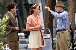 Woody Allen impartisce istruzioni a Kristen Stewart e Jesse Eisenberg