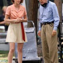 Kisten Stewart e Woody Allen sul set del nuovo film del regista