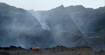 Behemoth: una suggestiva immagine del documentario cinese