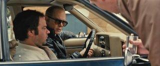 Black Mass - L'ultimo gangster: Johnny Depp in macchina in un momento del film