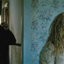 Black Mass - L'ultimo gangster: Johnny Depp e Juno Temple in un'immagine del film