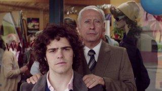 El clan: Peter Lanzani e Guillermo Francella in un momento del film